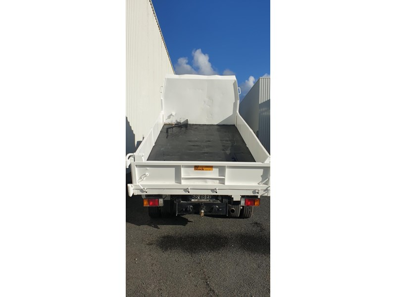 isuzu npr400 medium 645559 011
