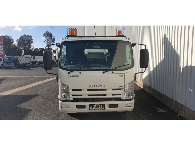 isuzu npr400 medium 645559 002