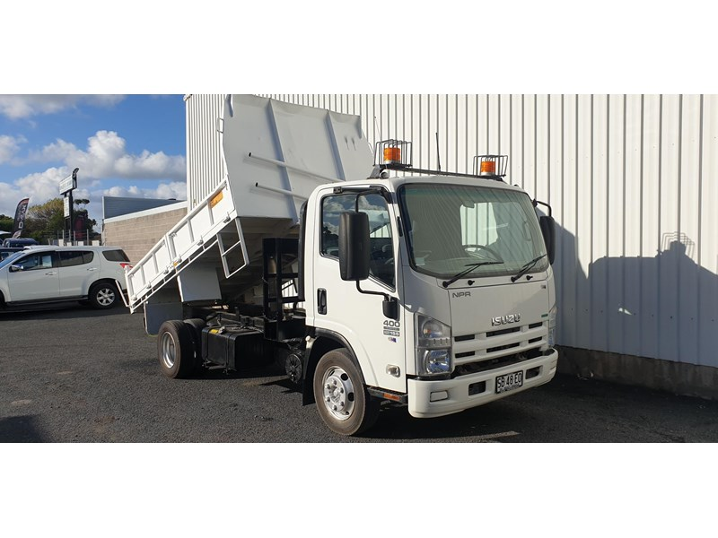 isuzu npr400 medium 645559 014