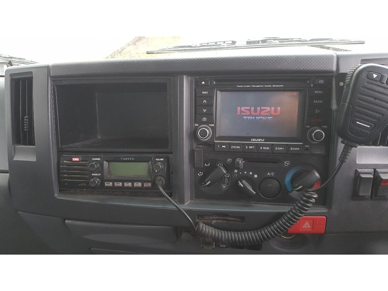 isuzu npr400 medium 645559 023