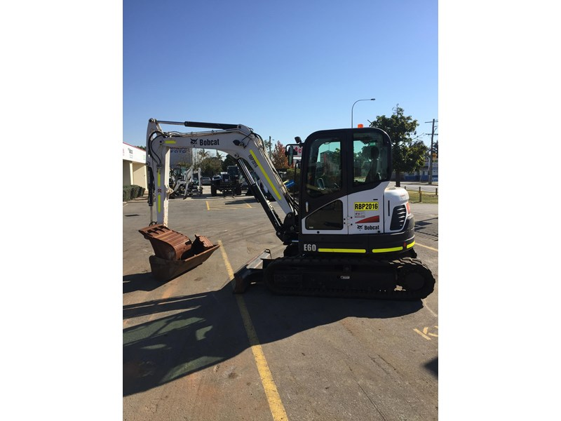 bobcat e60 - excellent condition - very low hours!! 703141 005