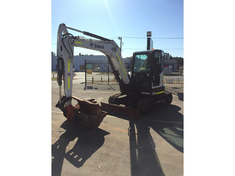 bobcat e60 - excellent condition - very low hours!! 703141 006