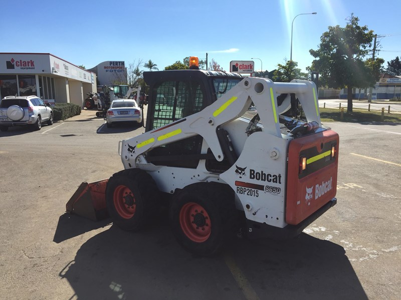 BOBCAT S650 - EXCELLENT CONDITION - VERY LOW HRS!! for sale