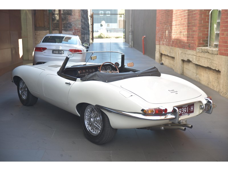 jaguar e-type 706356 003
