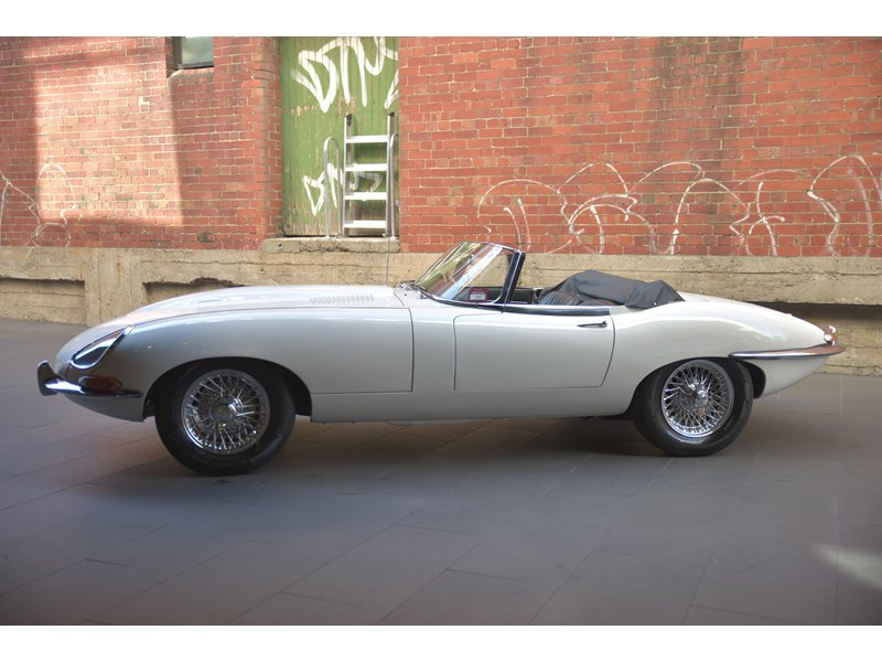 jaguar e-type 706356 004