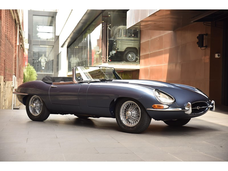 jaguar e-type 706370 005