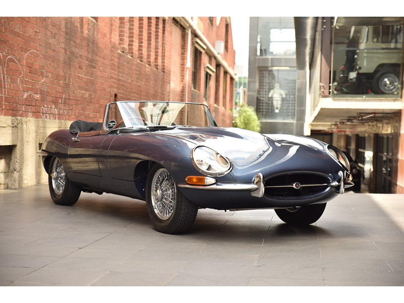 jaguar e-type 706370 006