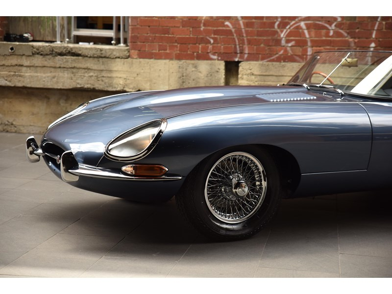 jaguar e-type 706370 009