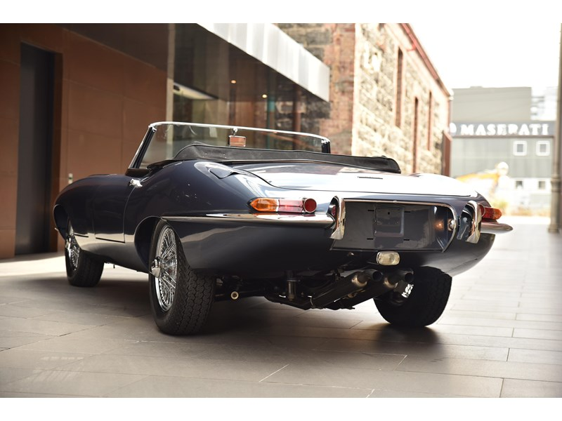 jaguar e-type 706370 012