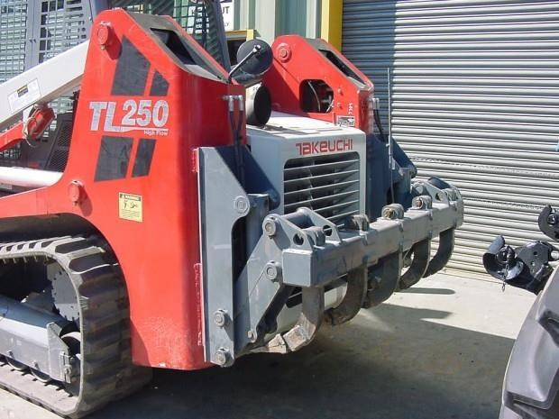2018 TAKEUCHI TL12V2 AND TL12R2 for sale