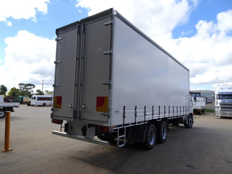 fuso fighter 2427 709232 002