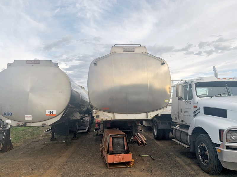 marshall lethlean & other brands - triaxle aluminium fuel tanker 230064 003