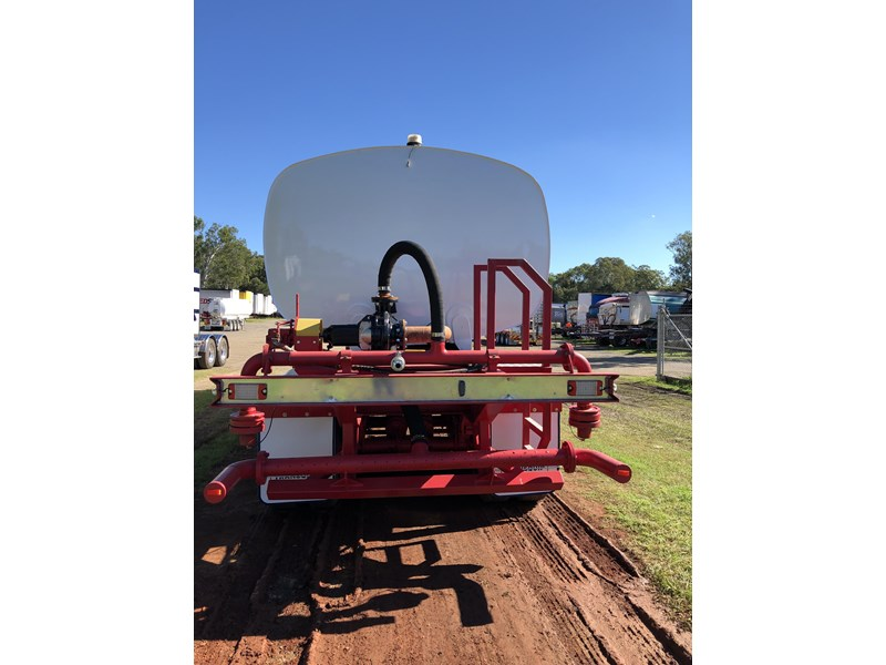 road west tri-axle water tanker 711851 002