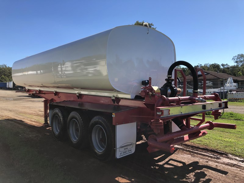 road west tri-axle water tanker 711851 003