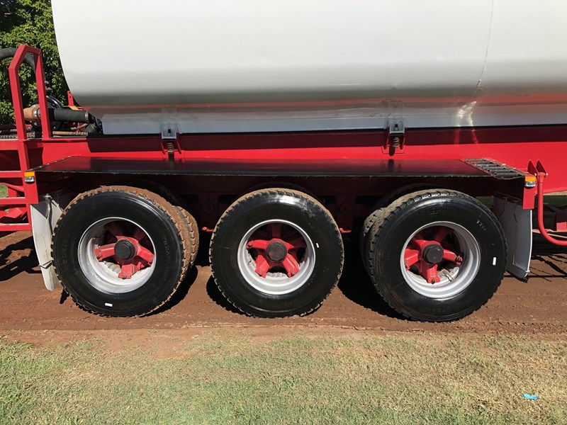 road west tri-axle water tanker 711851 009