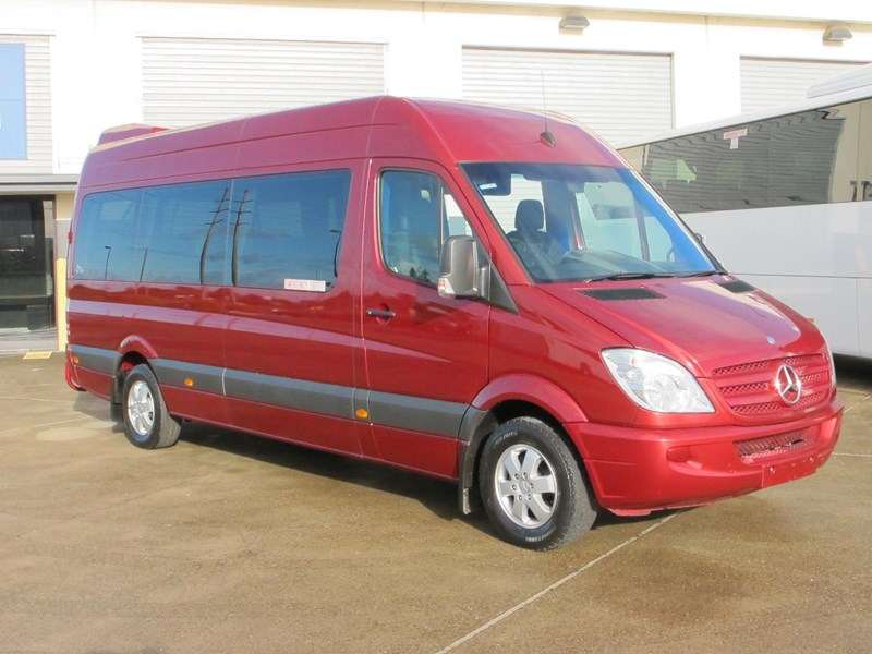 mercedes-benz sprinter 315cdi 14 seater luxury mini-coach 703076 001