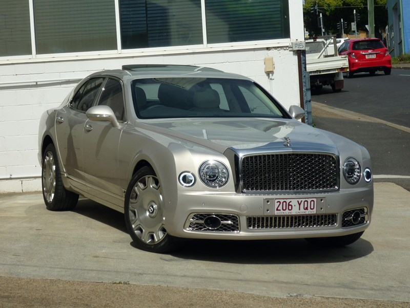 bentley mulsanne 715253 002