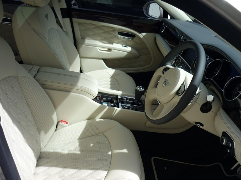 bentley mulsanne 715253 008