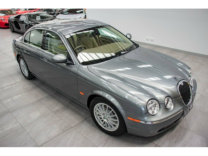 jaguar s-type 675823 002