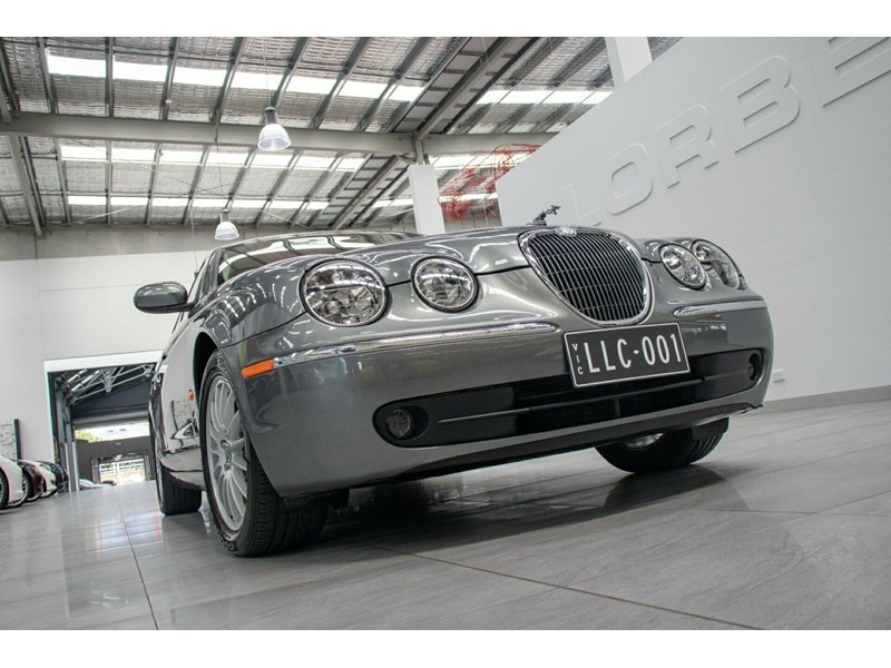 jaguar s-type 675823 004