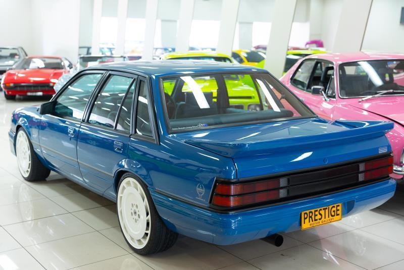 holden commodore 717238 006