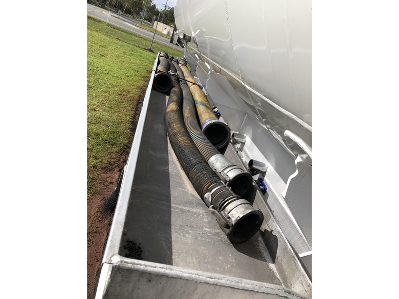 heil tri-axle fuel tanker trailer 718142 010