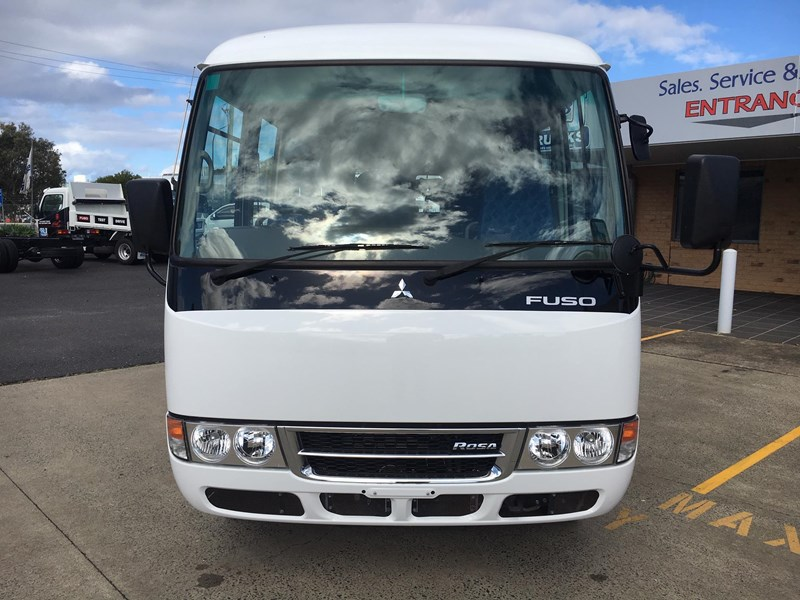 fuso rosa deluxe 25 seats 719830 008