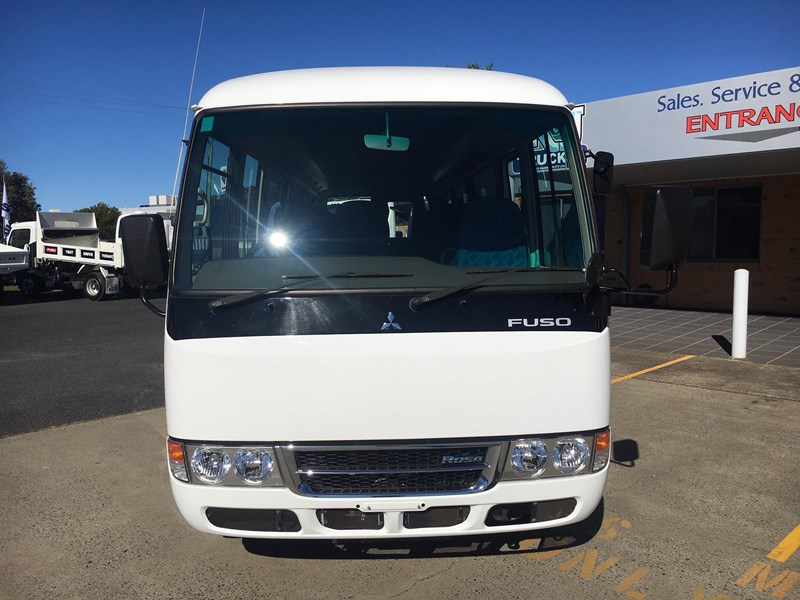 fuso rosa deluxe 25 seats 720758 008