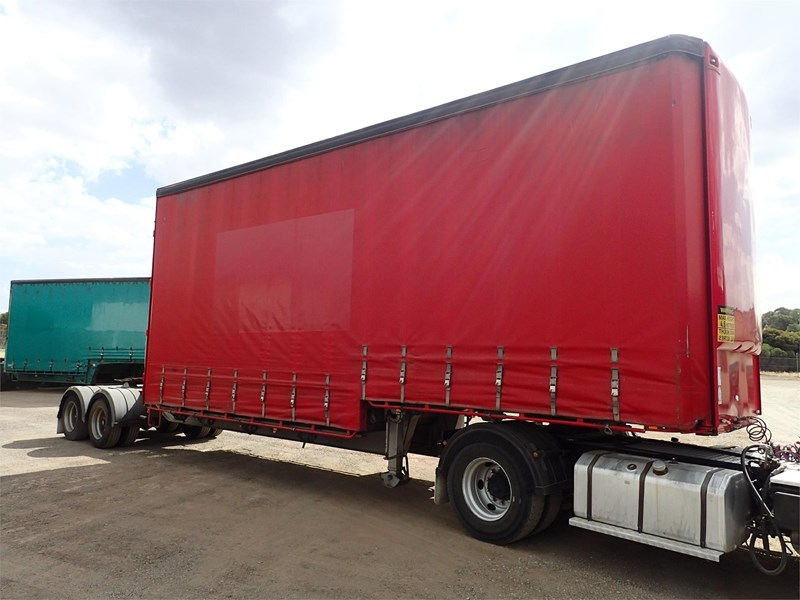 maxitrans curtainsider trailer 688610 004