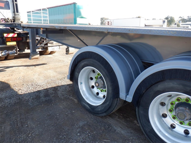 maxitrans skeletal trailer 710567 022