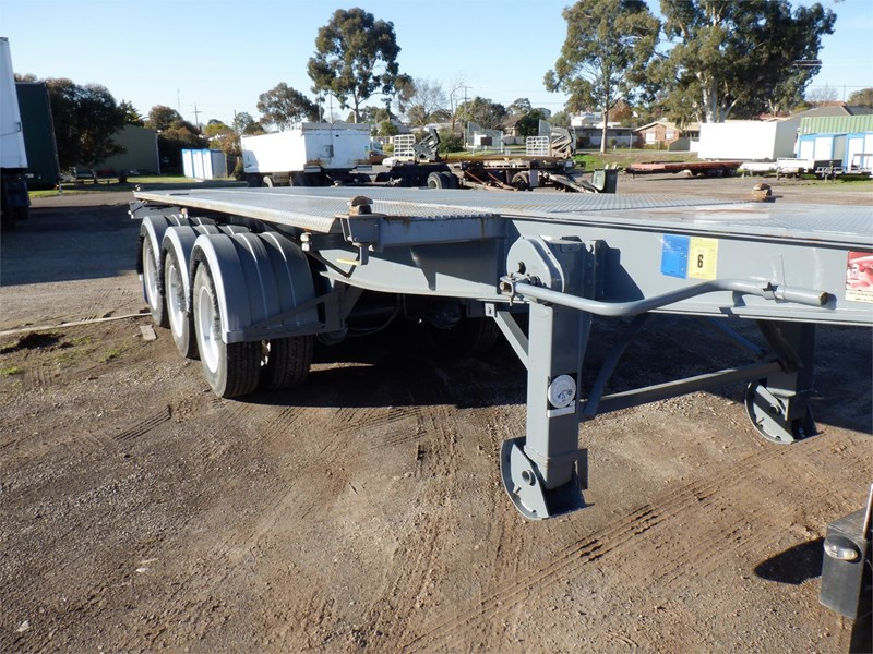 maxitrans skeletal trailer 710567 003