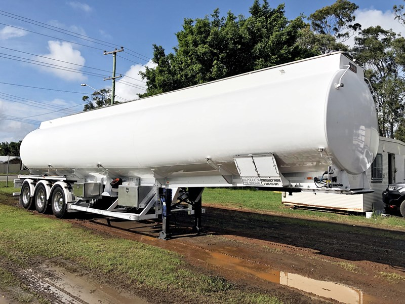 heil tri-axle fuel tanker trailer 718142 001