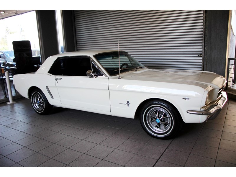 ford mustang 661163 003