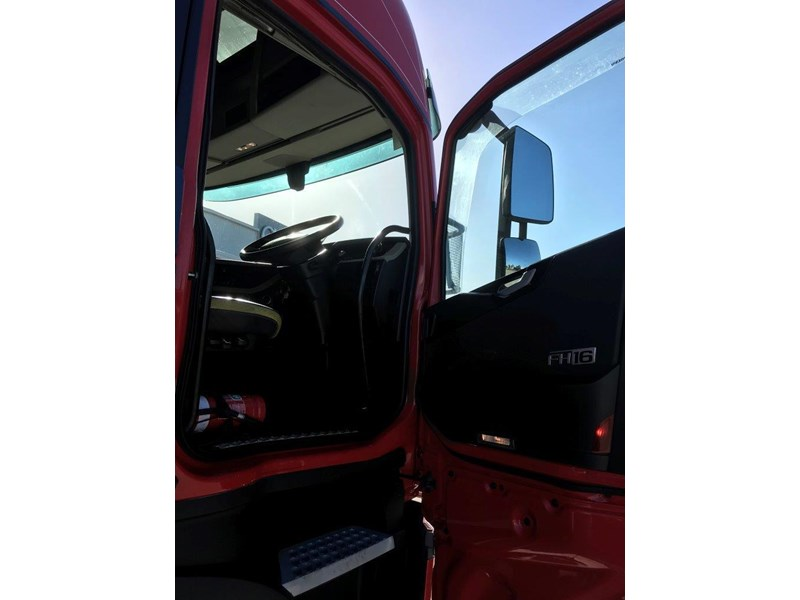 volvo fh600 724688 014