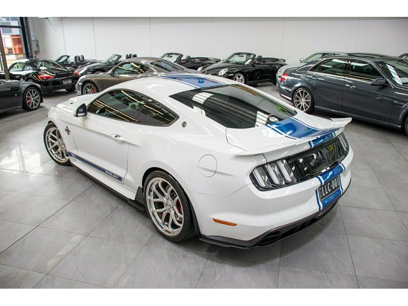 ford mustang 725125 027