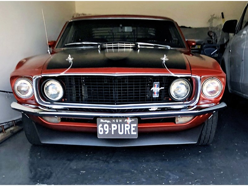 ford mustang 727208 002