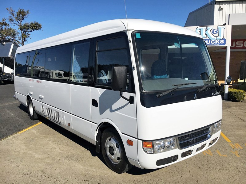 fuso rosa deluxe 25 seats 720758 001