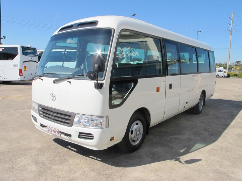 toyota coaster 50 series 21 seater bus 728738 002
