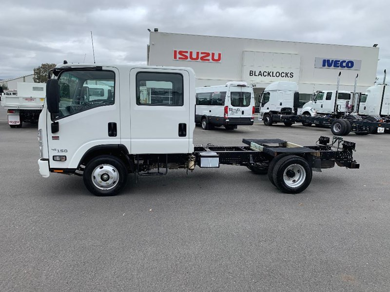 isuzu n series 729735 006