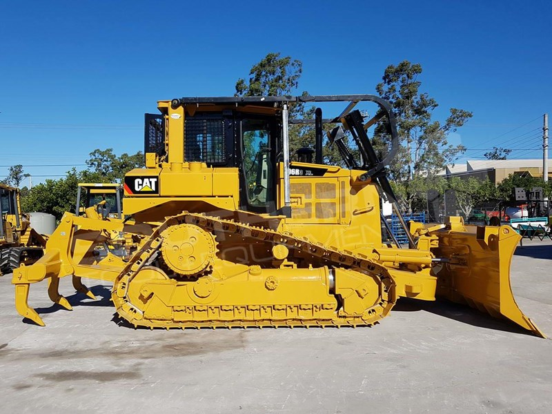 CATERPILLAR D6R XL SERIES II Bulldozer /w VPAT blade for sale