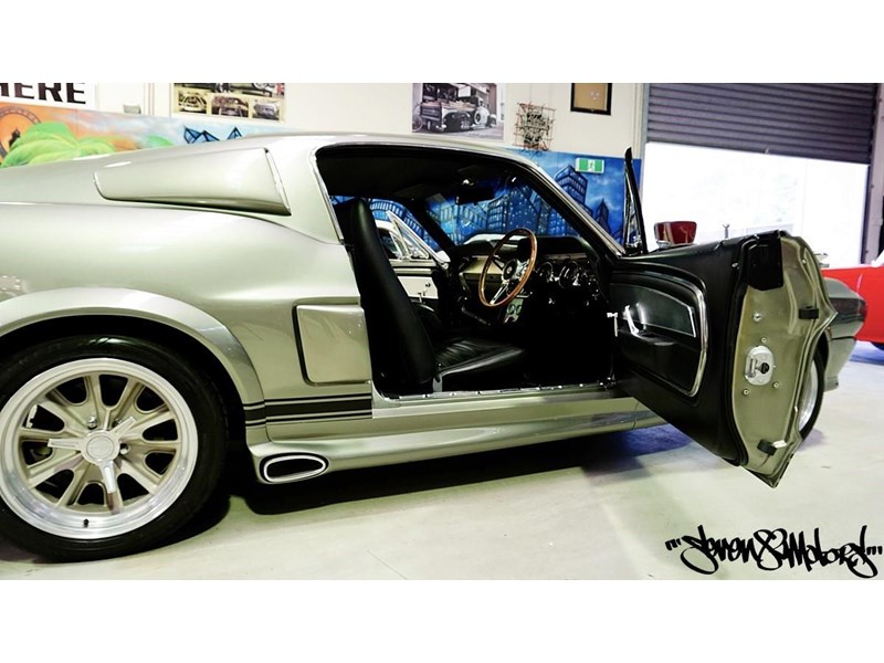 ford mustang 733055 015