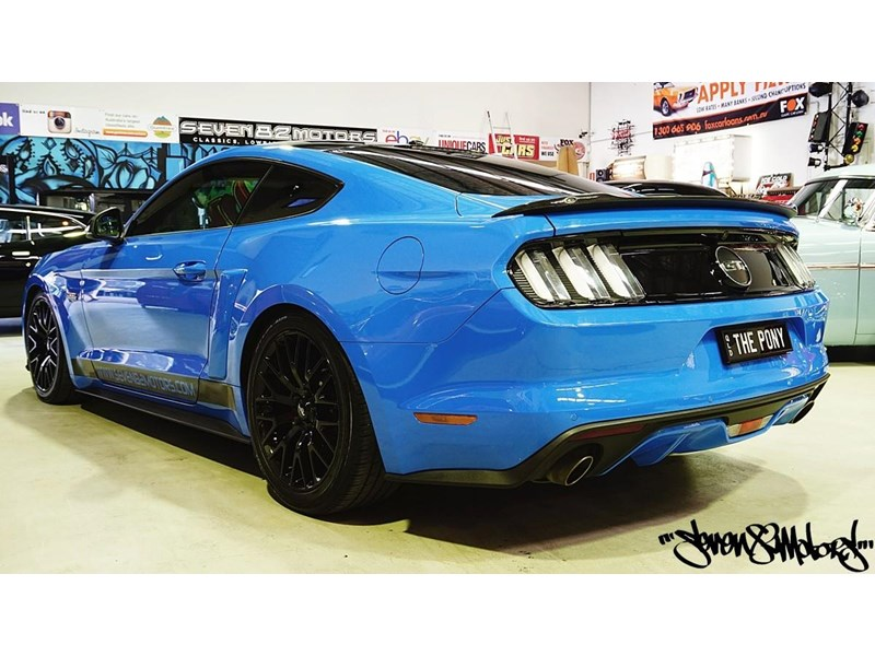 ford mustang gt 733890 004