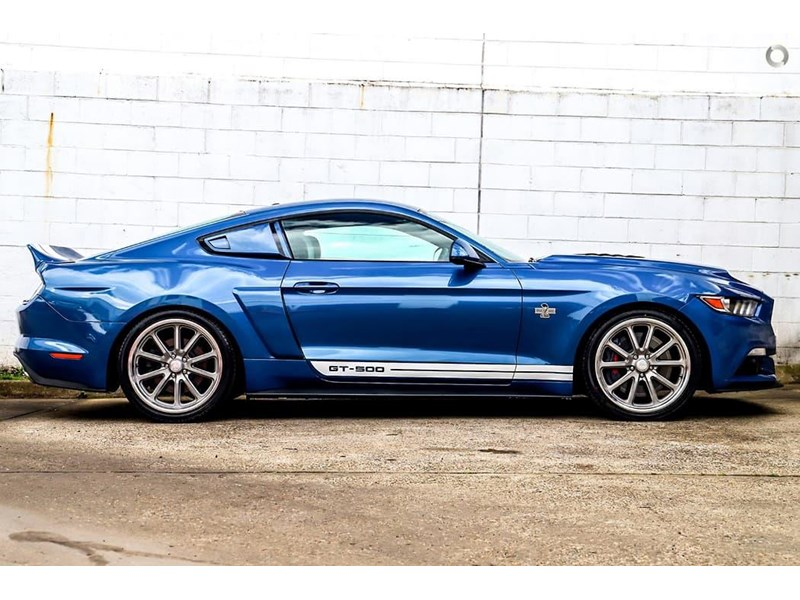 ford mustang 734598 002