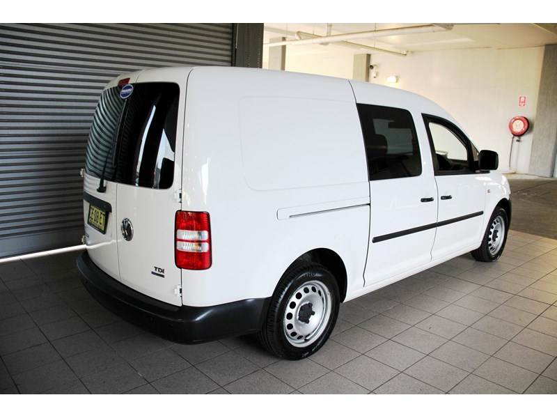 volkswagen caddy 737107 003
