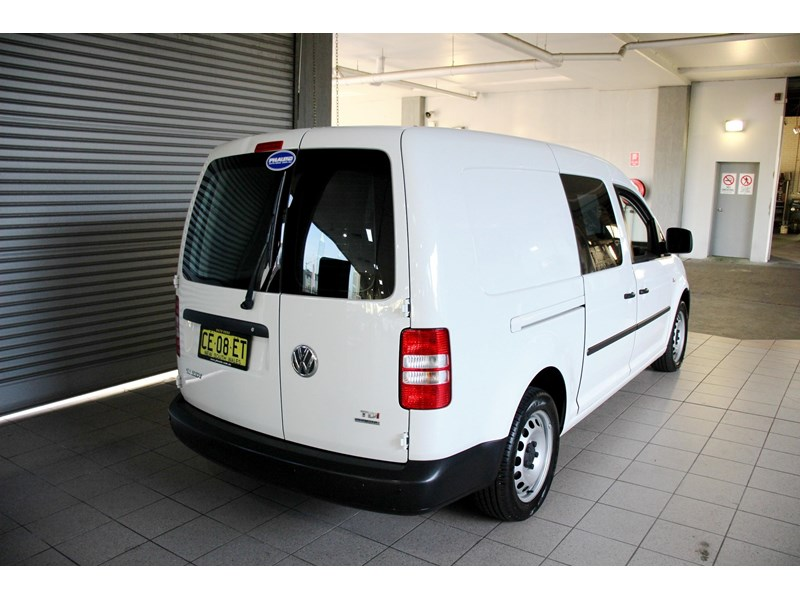 volkswagen caddy 737107 004