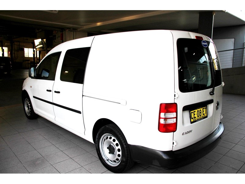 volkswagen caddy 737107 006