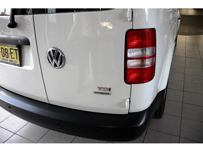 volkswagen caddy 737107 019