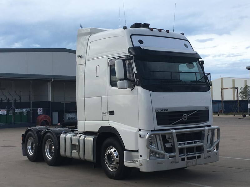 volvo fh13 737311 001