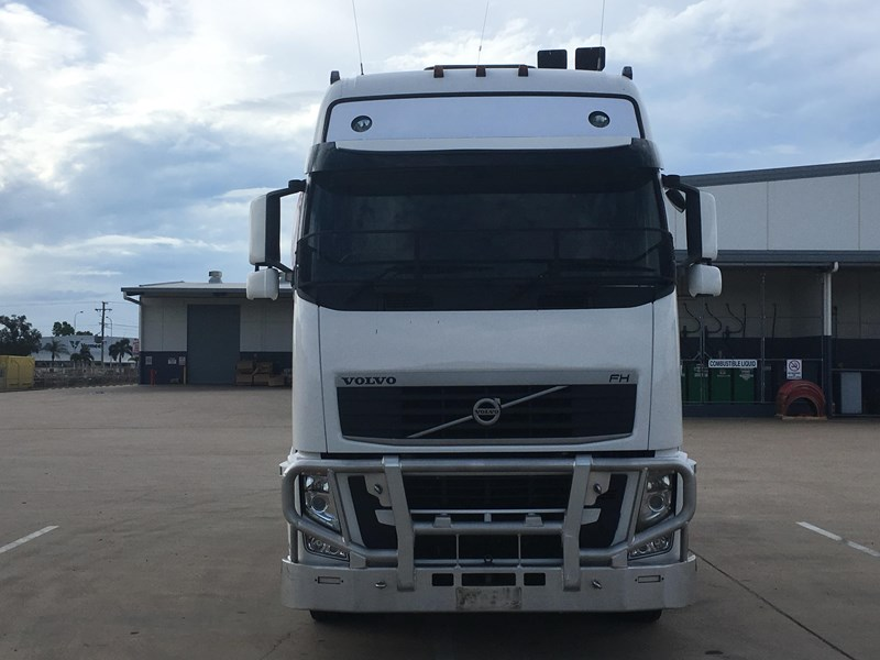 volvo fh13 737311 002