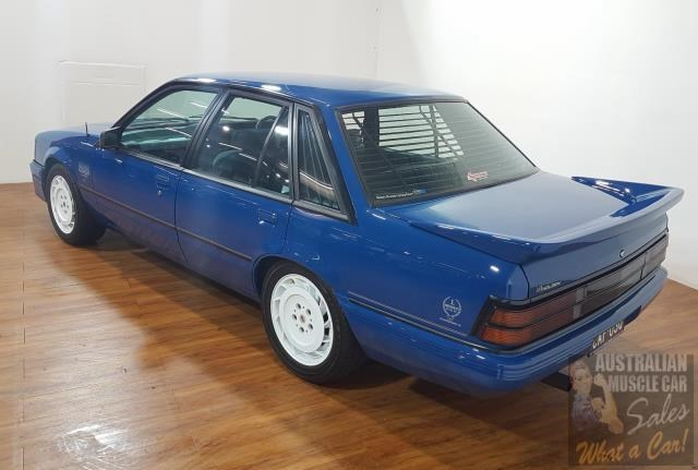 holden commodore 619871 009